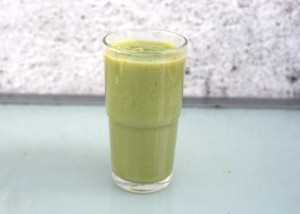Juicing: Easy Green Smoothie