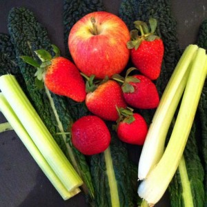 Juicing Recipe: Strawberry Green Forever Ingredients