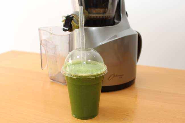 Juicing: Kiwi, Kale and Cucumber Juice Recipe