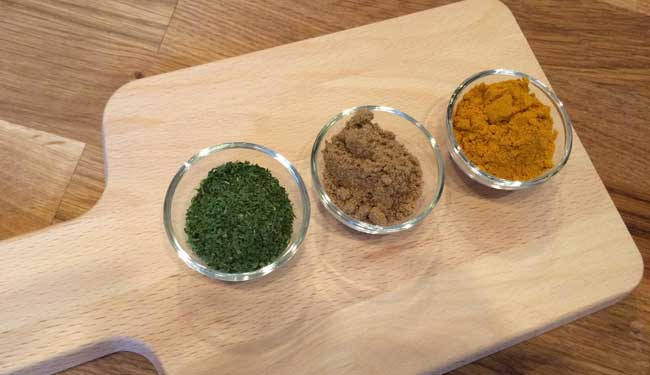 Raw Food Recipe: Calcium Rich, Curry Spiced Chips
